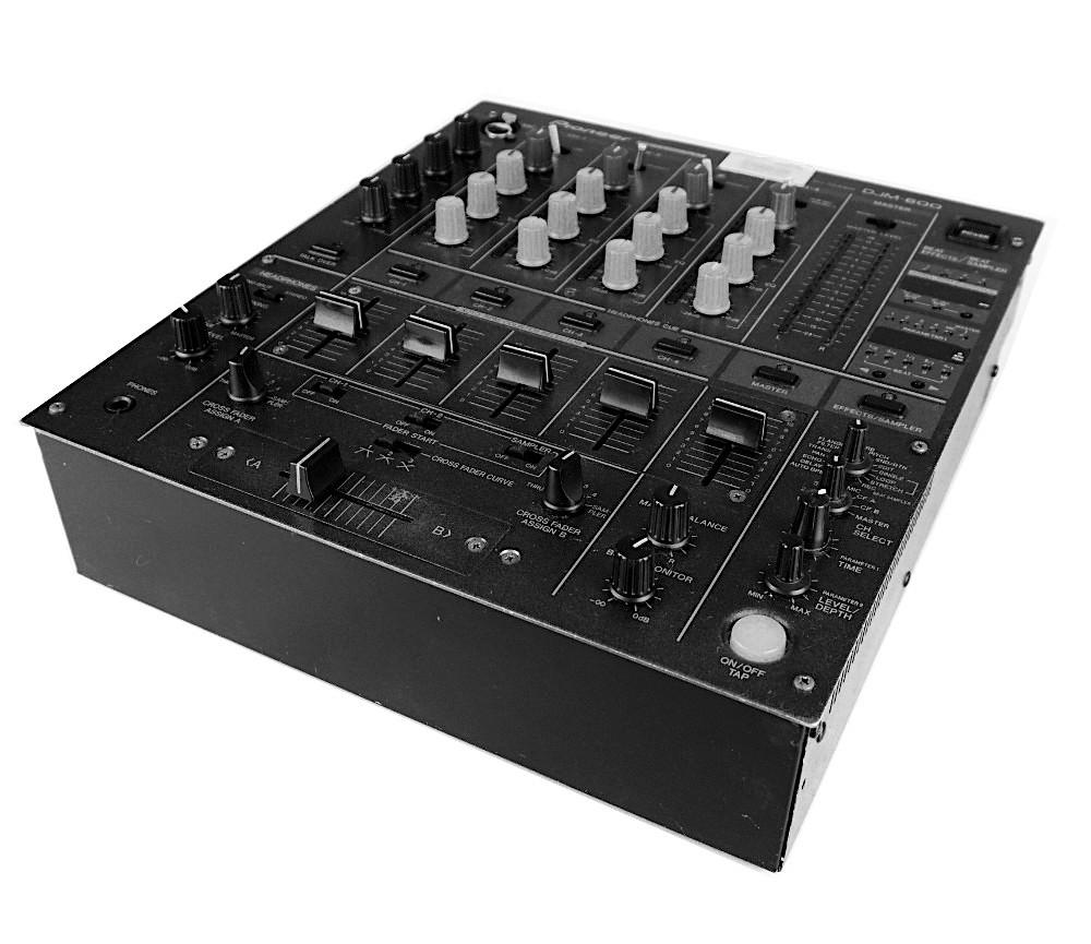 Mischpult Ausleihe Berlin Pioneer DJM 600